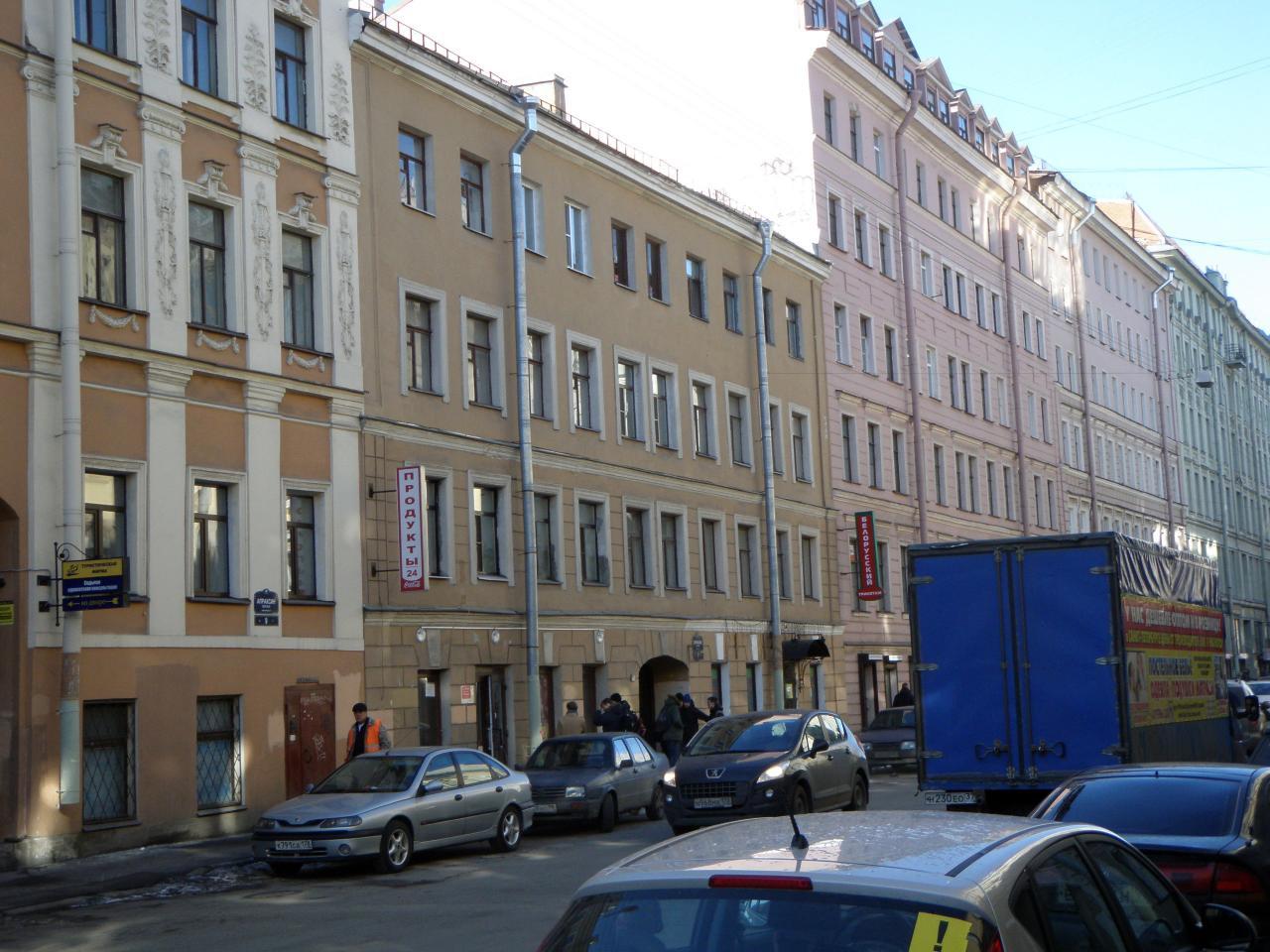 Сдается 3-х комнатная квартира, расположенную в историческом центре петербургазакрытый, чистый