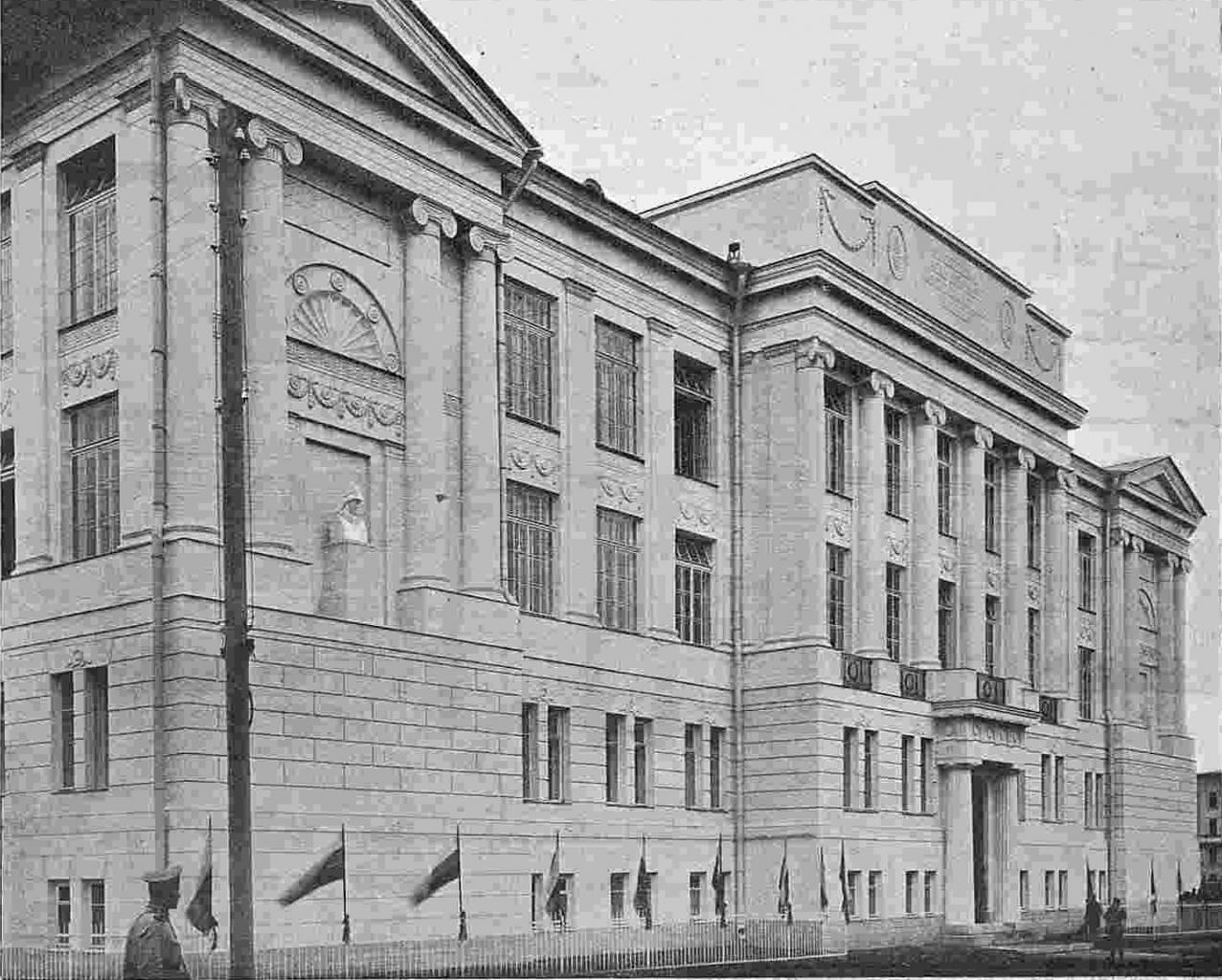 Великие творения царскосельский, или екатерининский, дворец является одним из самых знаменитых сооружений зодчего